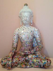 sitzender Buddha Ungezähmte Begegnung von Gonkar Gyatso (2012)