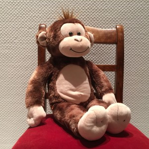Affe auf dem Stuhl von Christiane Witt Feng Shui Beratung