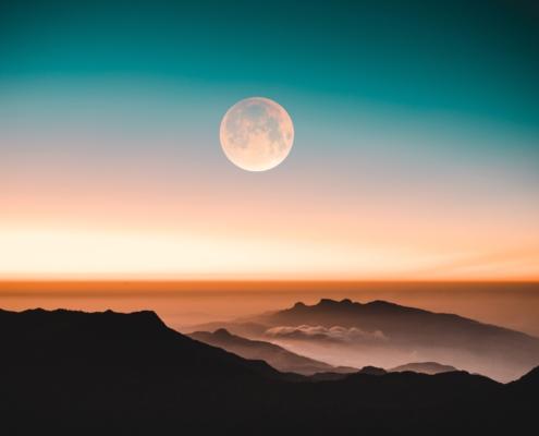 Landschaft mit Mond - Christiane Witt - Feng Shui Beratung